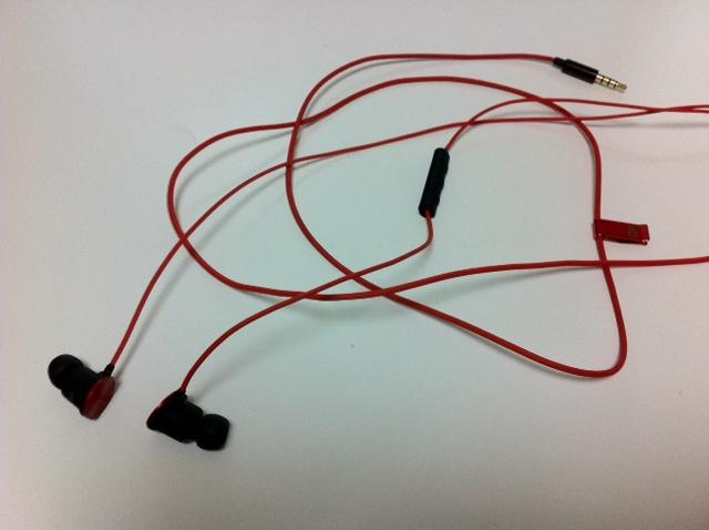 nixon-wire-3-button-mic-6